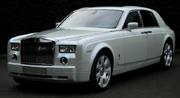 Аренда для мероприятия Rolls-Royce Phantom белого/черного цвета.
